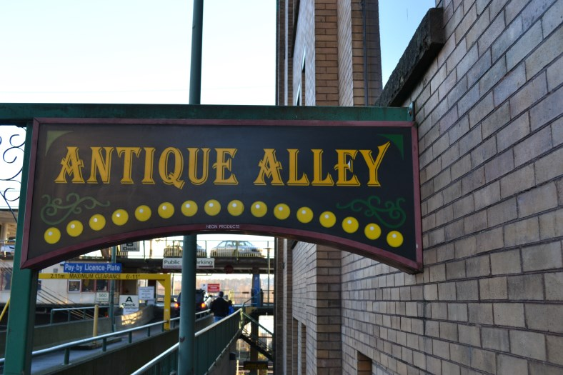 Empress Avenue_New Westminster Shopping_ Front Street_Antique Alley